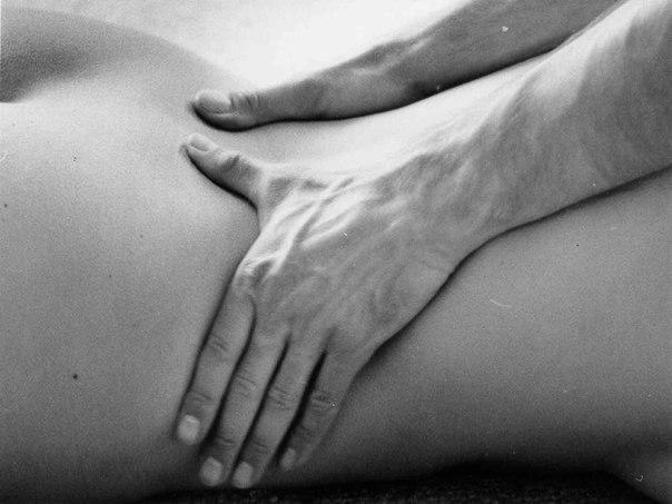 Приятный массаж, массаж попки, массаж при муже