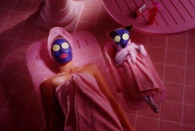 салон красоты, салон красоты юмор, косметолог юмор, маска для лица, чистка лица